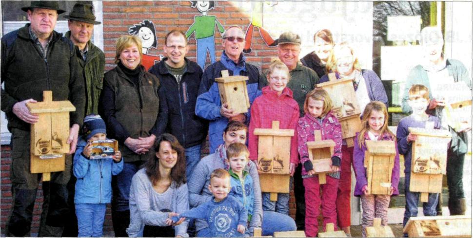 EZ: Hegering übergibt Nistkästen in Aschendorf und Lehe